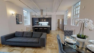 Photo for Grand Stay At Sassie Homes, Birmingham City Centre, With Free Parking
