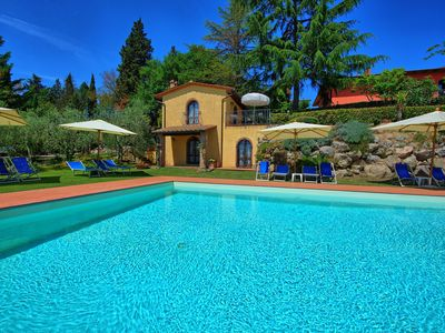 Photo for 2 bedroom Apartment, sleeps 6 with Pool and FREE WiFi