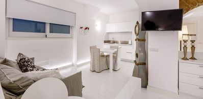 Photo for Central Deluxe apartment in Sorrento Coast