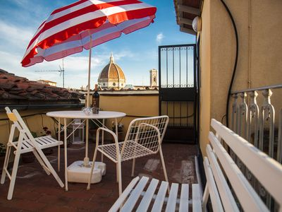Photo for Live like a Florentine in this charming 4 bedroom house, Florence center