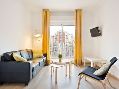 Photo for Sunny 4 bedrooms with Balcony views to Sagrada Familia