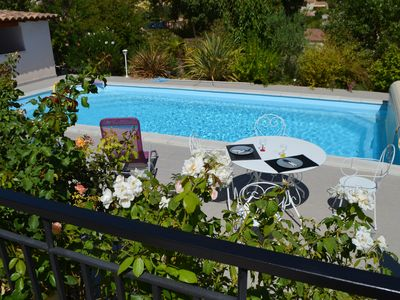 Photo for Villa private heated pool in the heart of green provence