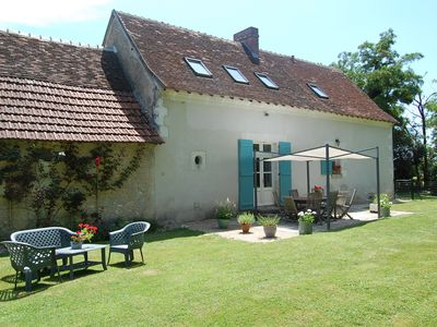 Photo for Beautiful Loire Villa, south Loire Valley, private heated pool. Dogs accepted.