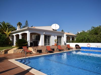 Photo for Luxury 5 bedroom Villa with private pool on Funchal Ridge near Lagos