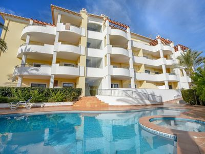 Photo for Top floor, pool, close to beach, A/C, Wi-fi