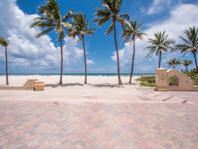 Photo for Charming Hollywood Beach Studio
