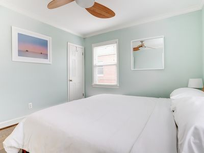 Photo for Arlington Modern, Comfortable, Close to DC and Sites