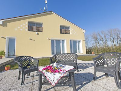 Photo for Holiday countryside home with swimming pool, sauna. Less than 20km from the sea