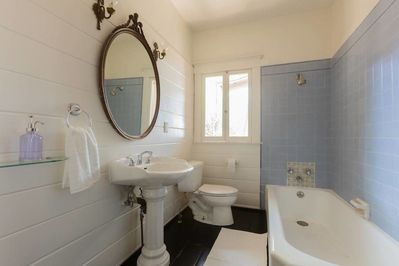 Downstairs bathroom, shared by both downstairs bedrooms