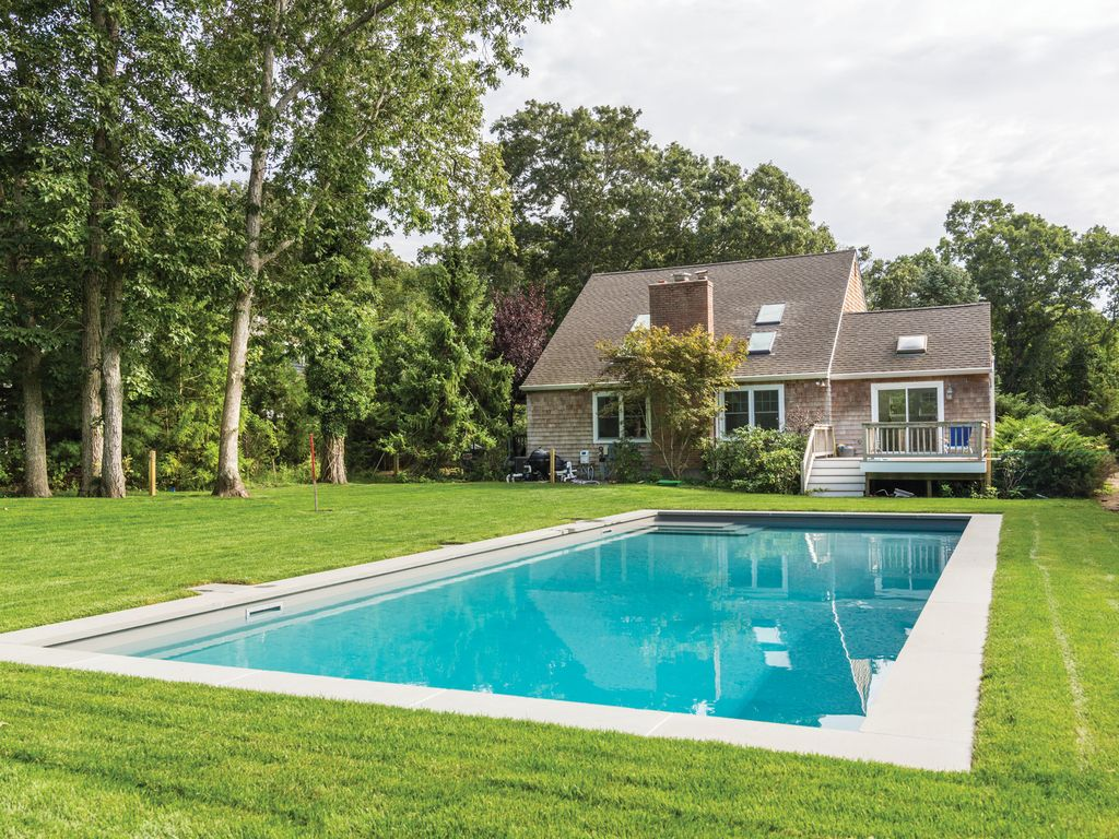 Newly Renovated East Hampton Beach House With Heated Pool Steps To Water