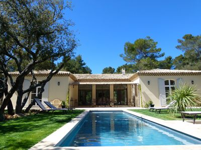 Photo for elegant and comfortable villa for 8 people 5 minutes from Aix en Provence