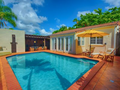 Your Pool in the Daytime!  Steamer Loungers, Outdoor Shower and Outdoor LR!