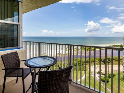 Photo for Estero Beach & Tennis 907A, 1 Bedroom, Heated Pool, Sleeps 4, Elevator