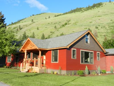 Photo for Comfort and Style in the Rattlesnake Neighborhood: Summer Filling up Fast!