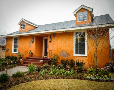 Photo for Charming 3 Bedroom 3 Bath 2 Story home with Movie Room 15 Min to French Quarter
