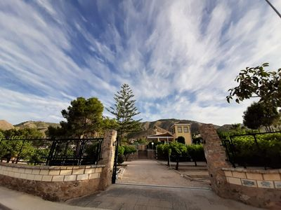 Photo for Cozy villa with large garden and pool on the Costa Blanca, near the sea