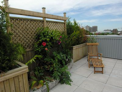 Sunrise Suite 404 - Downtown condo with Private roof top terrace