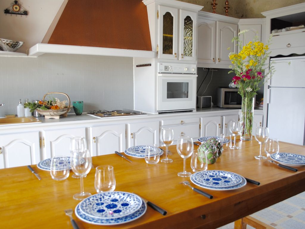 the castle farmhouse in the vines - chinon - homeaway saint