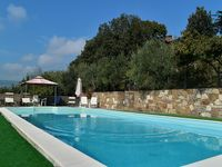 We loved Villa Bambina, it was very spacious for 8 adults