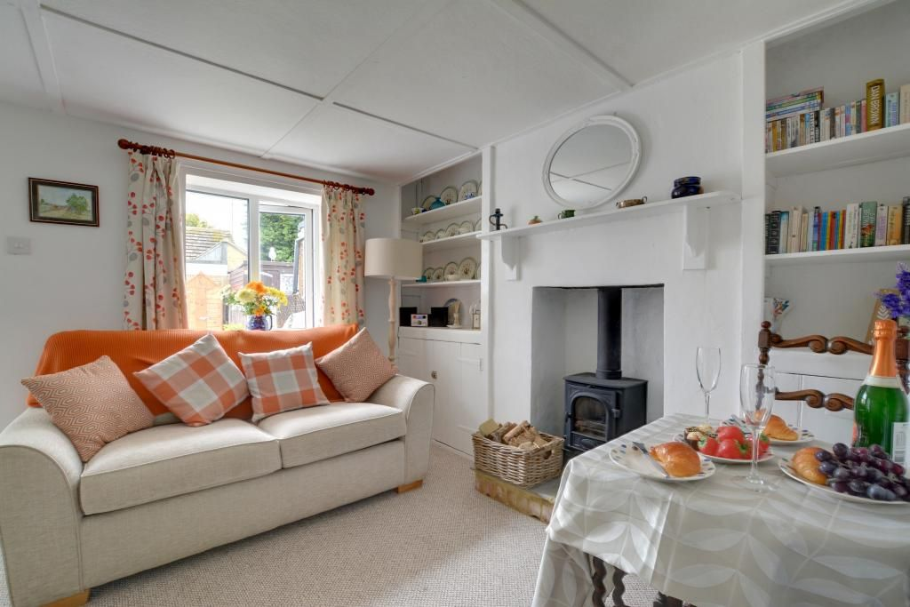 Claire's Cottage - One Bedroom Cottage, Sleeps 2
