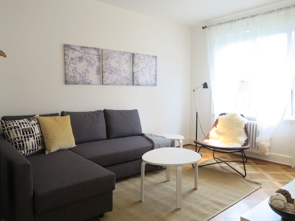 Appartement confortablement meubl zurich homelidays for Agence immobiliere zurich