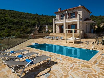 Photo for Beautiful New Villa with A/C and Private Infinity Pool !