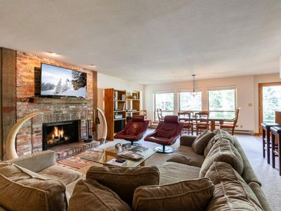 Photo for Ski-In/Ski-Out Condo in Vail 6 Separate Beds