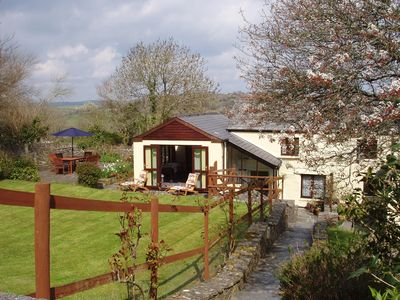 Colquite Holiday Cottage and garden