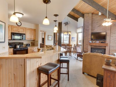 Photo for Spacious Mountain Home Built to Entertain - Free Shuttle - Discount Lift Tix