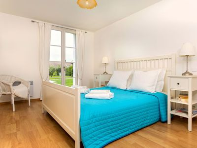 Photo for Beautiful apartment for 6 guests with WIFI, private pool, pets allowed and parking
