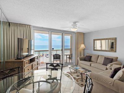 Photo for Comfortable gulf front condo, Stunning views, Minutes to dining