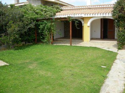 Photo for Apartment in a villa with garden a few steps from the sea