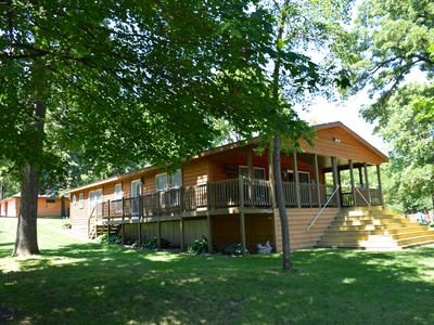 Beautiful Home on Lake Washington - Pontoon & Fishing Boat Included with Rental!