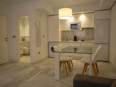 Photo for Spacious and modern Apartment with free parking in the heart of Granada 8