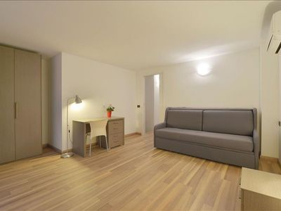 Photo for Candiani 2E apartment in Porta Garibaldi with WiFi, integrated air conditioning, balcony & lift.