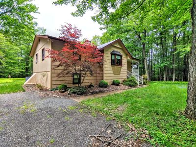 Photo for Relaxing Secluded 3 Bedroom with A/C &Pool Table in Pocono Pines
