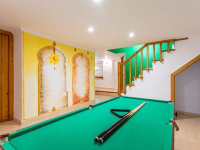 Photo for Fantastic apartment w/Pool table, free Wifi & Foosball table!