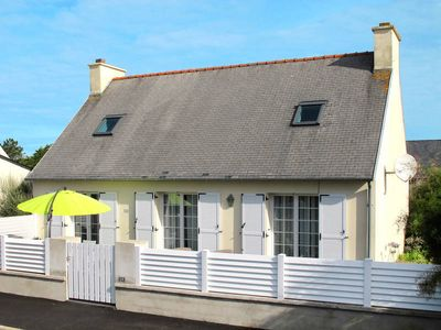 Photo for Vacation home in Cleder, Finistère - 6 persons, 3 bedrooms