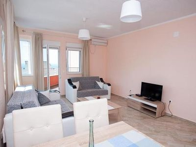 Photo for Holiday apartment Utjeha for 7 persons with 1 bedroom - Holiday apartment in a villa