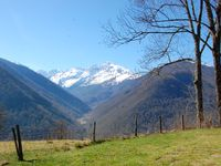 Beautiful location perfect for walking & exploring the Pyrenees. Accommodation very good.