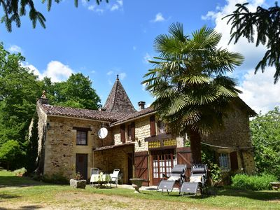Photo for Enjoy the undisturbed quiet in this holiday home near Villefranche-du-Périgord (3.5 km)