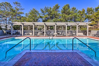 Guests staying at '30A Hideaway' have access to a community pool.