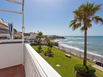 Photo for Facing the sea, direct beach access, large terrace, 5 minutes from La Cala