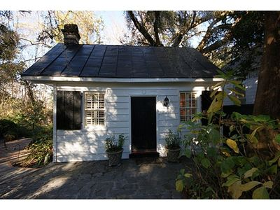 Photo for Restored servants' quarters for 1812 house in heart of Historic District