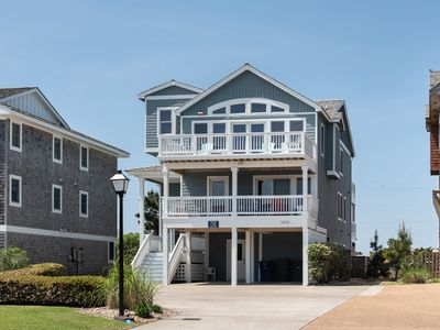 Photo for The Ocean Aire (Formerly Ashley's Pink House): 8 BR / 8 BA house in Nags Head, Sleeps 18