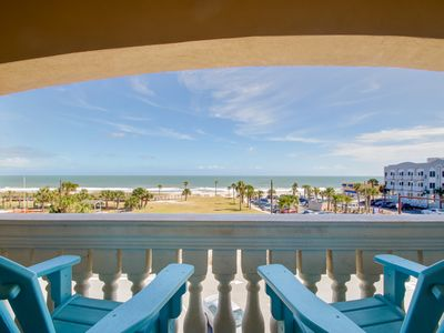 Photo for 3 Bedroom/3 Bath Oceanview Condo, sleeps 8. Located near Main Beach parks, shopping and restaurants.