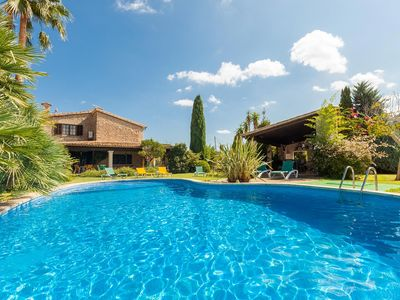 Photo for Lovely Private Villa with Pool, Easy Walk to Town