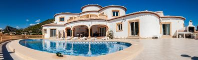Photo for Spacious villa in a fantastic location with top facilities