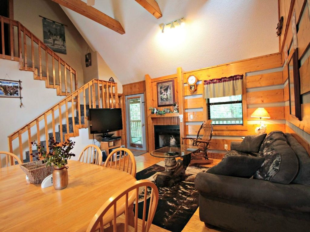 pigeon smoky cabin cabins rent rental getaway bedroom forge for sevierville mtn mountain