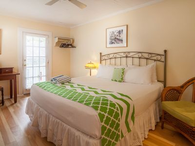 Photo for Cozy, tropical getaway w/ shared pool - close to shopping and restaurants